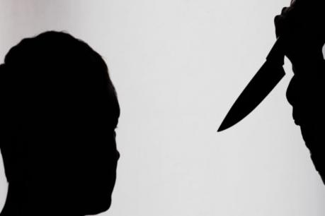 লোমহৰ্ষক! প্ৰেমৰ বাবেই একেটা পৰিয়ালৰে ৭জনক চোকা অস্ত্ৰৰে আক্ৰমণ